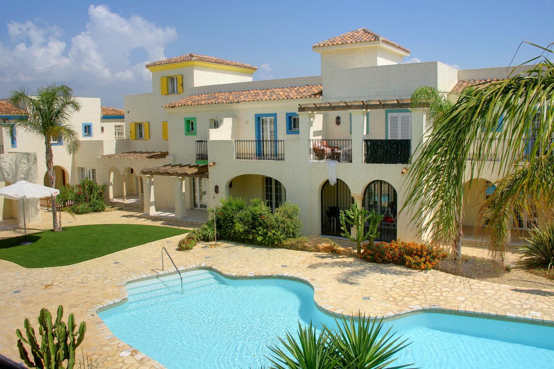 Сколько стоит жилье в испании цены на недвижимость в болгарии